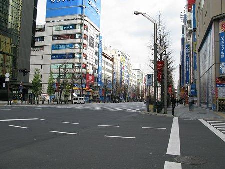 2010.04.03 秋葉原 中央通り(1/2)