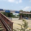 写真: 伏見通の交差点から見た名古屋城