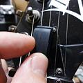 写真: ピックホルダーの取り付け(その1)