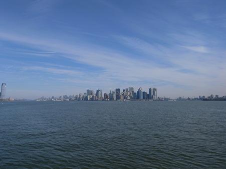 27日 NY-Manhattan 海側から