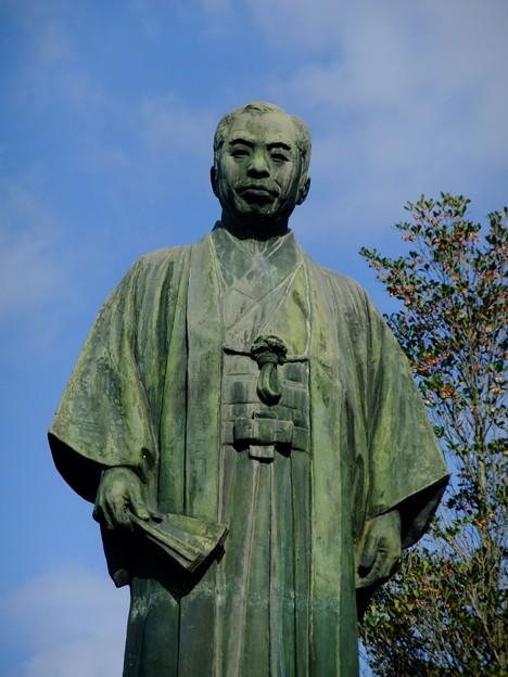 柿原万蔵翁像
