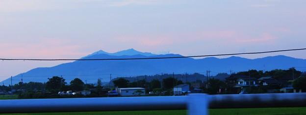 車窓からの筑波の山並
