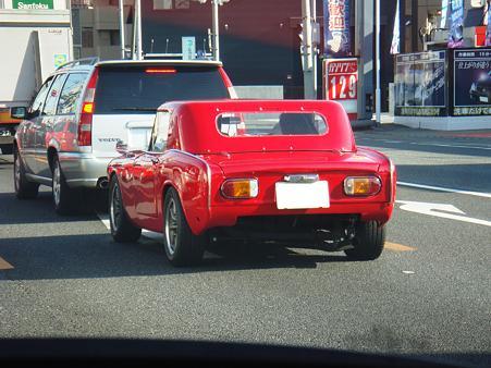 真っ赤な車