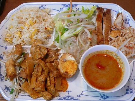 タイ料理 ザ・サイアム ランチバイキング 945円