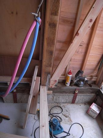 キッチン壁下地足元補強設置