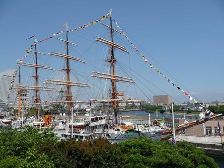 100602-開港祭 日本丸満船飾-4