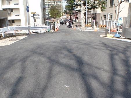 東京工業大学大岡山キャンパス 本館西側道路