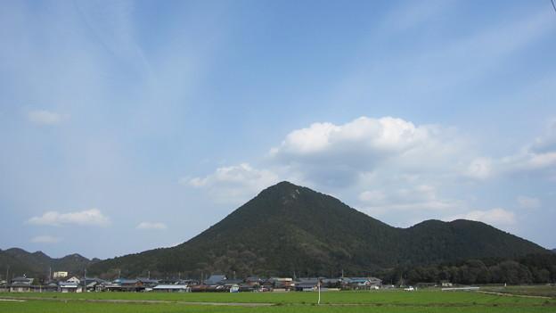 三上山(近)