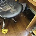 Photos: 年季の入った椅子・・・