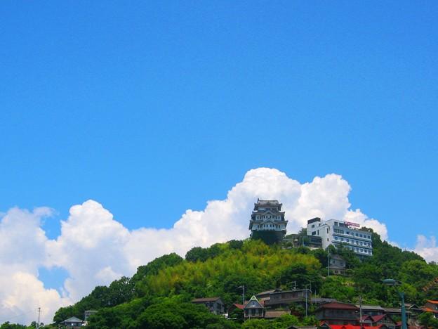 新緑・千光寺山に雲の峯