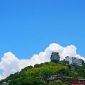 Photos: 新緑・千光寺山に雲の峯