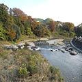 Photos: 秋川を歩く