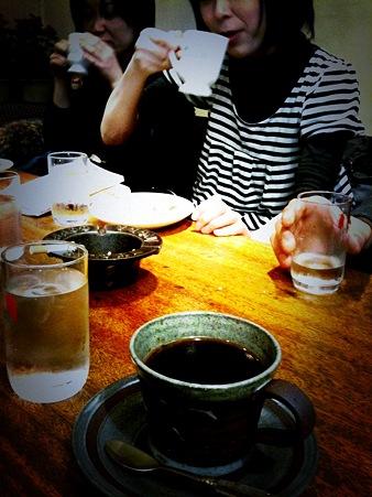 ニャンゴを聴きながらイノダコーヒー