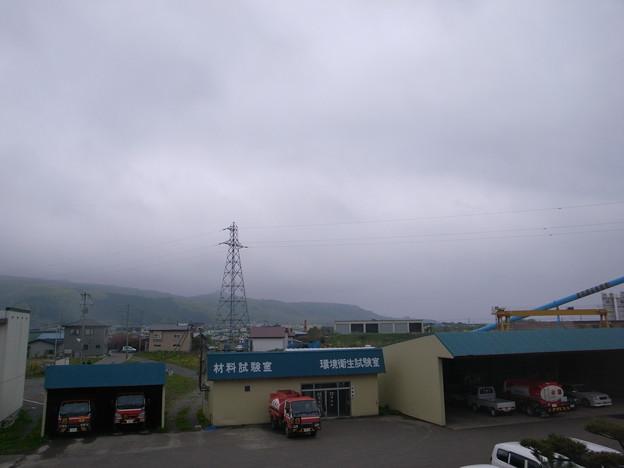 Photos: 会社裏