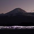波の上の富士