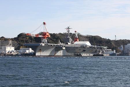整備中のジョージ・ワシントン CVN-73 230109